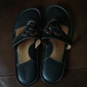 Born sandals (size 9)